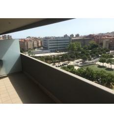 LUXÓS pis moblat amb terrassa i aparcament opcional a Pubilla Cases (L'Hospitalet de Llobregat)