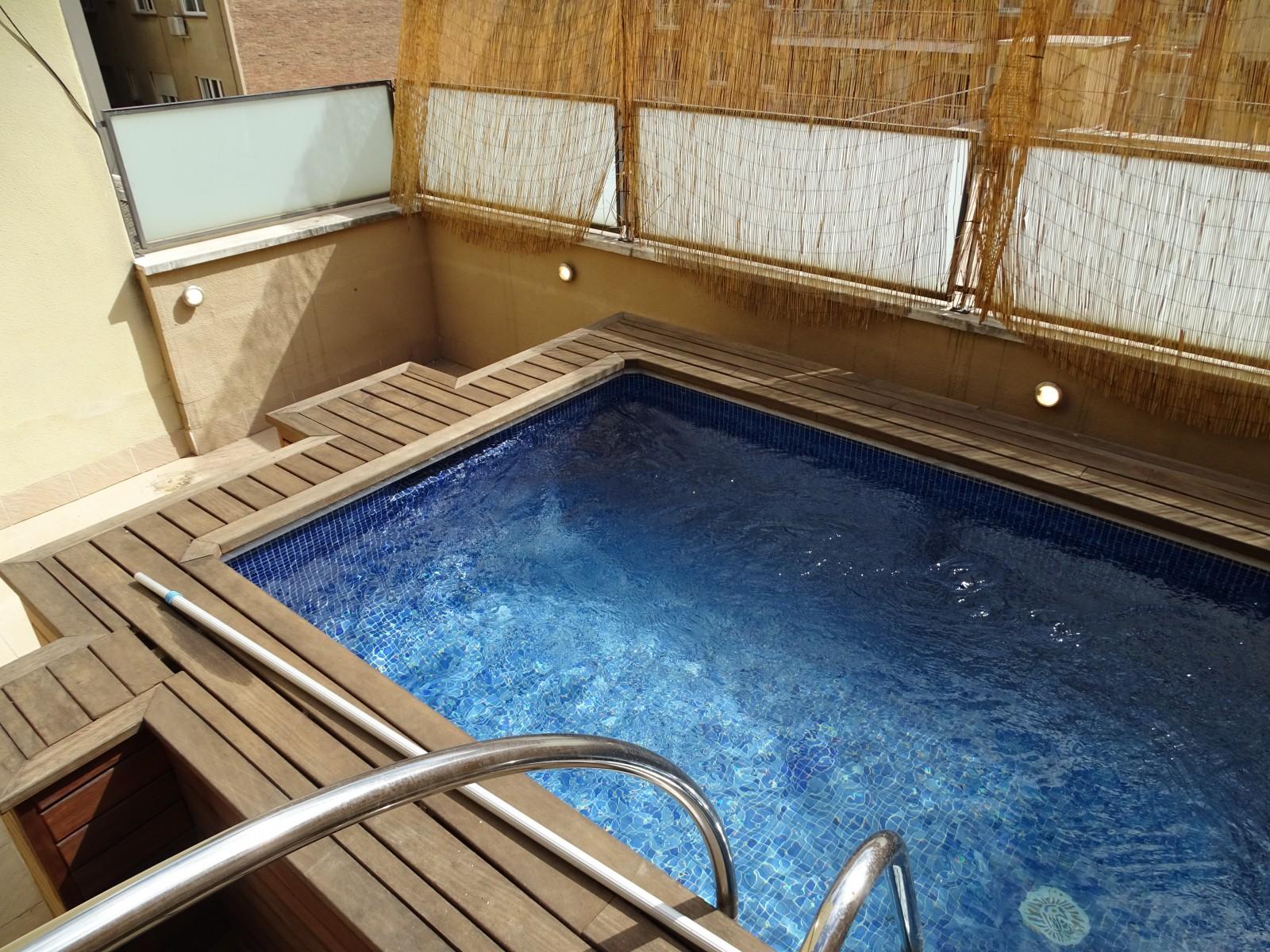 Piscinas de terraza cheap mini piscina para terraza with for Jardineria barata barcelona